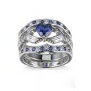 Fashion Crystal Insert Hands Heart Pattern Zircon Ring