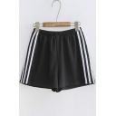 Leisure Contrast Striped Elastic Waist Loose Sports Shorts