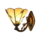 Leaf Design Wall Sconce Lodge Tiffany Style Amber Glass Wall Lamp for Bedroom