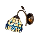 Floral Shelly Wall Lamp Traditional Tiffany Style Stained Glass Wall Sconce in Beige for Bedroom
