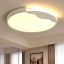 Acrylic Shade Surface Mount Light with Wavy Design Contemporary White LED Ceiling Light for Sitting Room