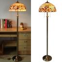 Desert Rose/Camellia Bedroom Floor Lamp Shell Tiffany Antique Style Floor Light in Beige