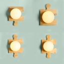 Creative Style LED Lighting Globe Frosted Glass Shade Wall Lighting with Wood Base