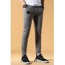 Men's New Fashion Plain Badge Embellished Drawstring Waist Slim Fit Cotton Casual Pants