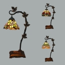 Stained Glass Floral Desk Light with Leaf Study Room 1 Head Rustic Tiffany Table Light