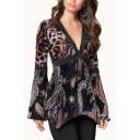Hot Stylish Classic Long Sleeve Plunge V Neck Leopard Patched Floral Print Basics T-Shirts