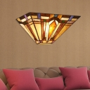 Tiffany Stylish Trapezoid Wall Lamp 1 Head Stained Glass Sconce Light in Brown for Stair Indoor