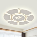 Contemporary Flower Acrylic Ceiling Lamp LED Flush Mount Light Fixture in White for Living Room