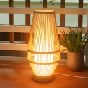 1 Head Living Room Task Light Chinese Beige Small Desk Lamp with Urn Bamboo Shade