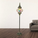 1 Bulb Floor Lamp Traditional Living Room Stand Up Light with Oval Red/Yellow/Blue Stained Glass Shade