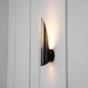 1 Head Living Room Wall Lamp Modernist Gold/Black Sconce Light Fixture with Curved Metal Shade