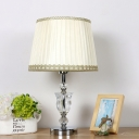 1 Head Bedroom Table Light Modern White Small Desk Lamp with Barrel Fabric Shade