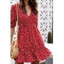 Glamorous Womens Drawstring Sleeves V-Neck All Over Flower Printed Ruffled Trim Short A-Line Dress in Red
