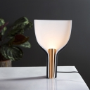 1 Head Bedside Table Lamp Modernist Black Task Lighting with Flared Metal Shade