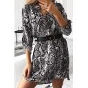 Glamorous Women's Three-Quarter Sleeves V-Neck Buckle Belted Snake Printed Short Shift Dress