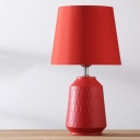 1 Bulb Wedding Room Desk Light Modernist Red Ceramic Base Designed Night Table Lamp with Tapered Fabric Shade