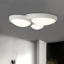Living Room LED Ceiling Light Fixture Simplicity White Flush Mount Lamp with 3 Bubbles Acrylic Shade