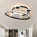 Black Creative Rings Flush Mount Lamp Simplistic Acrylic LED Ceiling Lighting for Living Room in Warm/White Light, 16.5