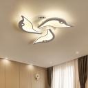 3/5-Petal Flush Mount Ceiling Light Fixture Modernist Acrylic 23.5