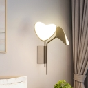Metallic Leaf Shape Wall Lamp Modernism LED Gold Wall Mount Light Fixture for Bedside