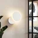 Black/White Circular Sconce Light Fixture Contemporary Acrylic LED Wall Mount Lamp for Bedroom in Warm/White Light