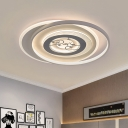 Modern Round Ceiling Lighting Acrylic Living Room LED Flush Mount Lamp with Animals Pattern in White