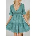 Stylish Womens Polka Dot Printed Ruffled Trim Short Sleeve V-neck Short Pleated A-line Dress in Green