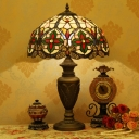 Scalloped Dome Shade Night Lamp 1-Light Beige/Orange Stained Glass Tiffany Table Light with Urn Base
