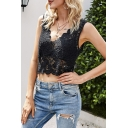 Hot Girls See-through Lace Scalloped V-neck Slim Fit Cropped Tank Top in Black
