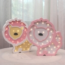 Battery Operated Lion Mini Night Lamp Cartoon Wood Pink/Orange-Yellow/Pink-Yellow LED Wall Mounted Light for Bedroom