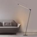 Minimalist Linear Standing Floor Lamp with Rotatable Design Metallic LED Bedroom Floor Reading Light in Black