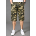 Fashionable Cargo Shorts Camo Leaf Pattern Flap Pocket Zipper Fly Mid Rise Fitted Cargo Shorts for Men