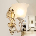 Ribbed Glass Brass/Beige Wall Light Scalloped 1 Head Traditional Wall Mounted Lamp with Curved Arm