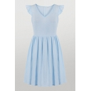 Stylish Solid Color Pleated Zipper Back Stringy Selvedge Sleeveless V Neck Midi A-Line Dress for Ladies in Light Blue