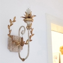 Gold Single Wall Sconce Lighting Countryside Iron Candle Wall Light Kit with Decorative Wreath
