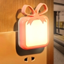 Smart Gift Shaped Plug in Night Lighting Macaron Plastic Corridor LED Wall Lamp in Blue/Pink