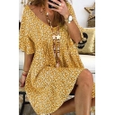 Casual Ditsy Floral Print Pleated Open Back Scoop Neck Short Flare Cuff Sleeve Short Swing Smock Dress for Womens