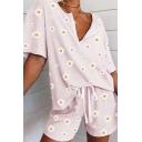 Casual All over Daisy Floral Printed Notched Collar Short Sleeve Loose T-Shirt & Drawstring Waist Shorts Pajama Set