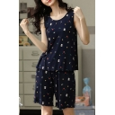 Popular Ladies All Over Print Lettuce Trim Scoop Neck Sleeveless Loose Tank Top & Pocket Shorts Pajama Set in Blue