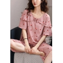 Pretty Womens All Over Floral Print Tie Front Stringy Selvedge Lettuce Trim Short Sleeve Round Neck Relaxed T-Shirt & Capri Pants Pajama Set in Pink