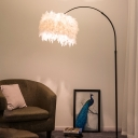 Straight/Curved Metal Floor Lighting Minimalist Single Black/White Standing Floor Lamp with Round Feather Shade