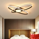 Small/Large Orbit Ceiling Mount Light Minimalist Acrylic Bedroom LED Semi Flush Mount in Black/White