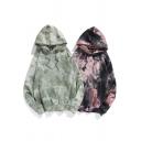 Fancy Men's Hoodie Tie Dye Pattern Front Pocket Ribbed Trim Long Sleeves Loose Fitted Drawstring Hooded Sweatshirt