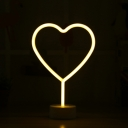Nordic Loving Heart/Star Shaped Night Light Plastic Girls Bedside LED Table Lamp with Round Base in White