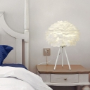 Simplicity Tripod Nightstand Lamp Metal Single-Bulb Girls Bedroom Table Light with Feather Shade
