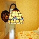 Grid Glass Bell Shaped Wall Light Fixture Tiffany 1-Bulb Brass Finish Sconce Lamp with Pull Chain