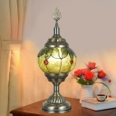 1 Head Nightstand Lamp Vintage Globe Stained Glass Night Table Lighting in Bronze