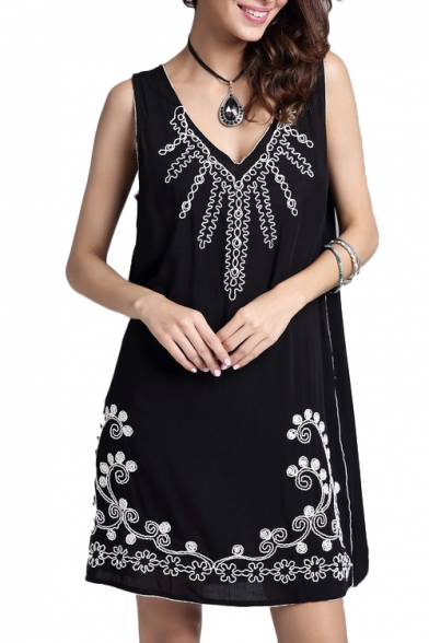 Black Sleeveless Flora Embroidered Dress