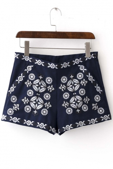 Women's Embroidered Fashion Shorts