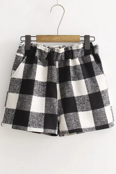Loose Contrast Plaid Elastic Waist Shorts
